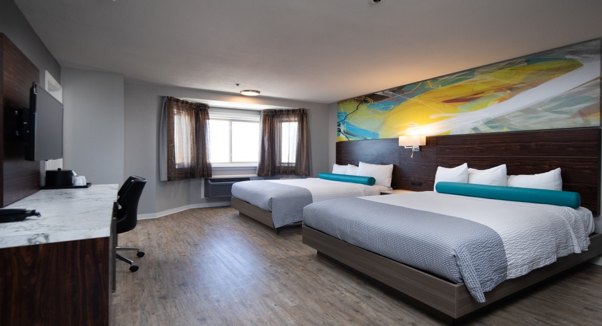 2 Queen Beds with Ocean View - Non Smoking