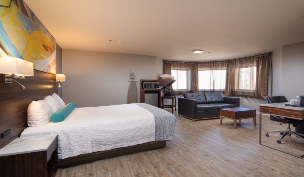 Inn at Rockaway - Guest Room with living Area